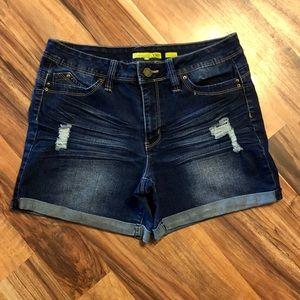 Junior's shorts